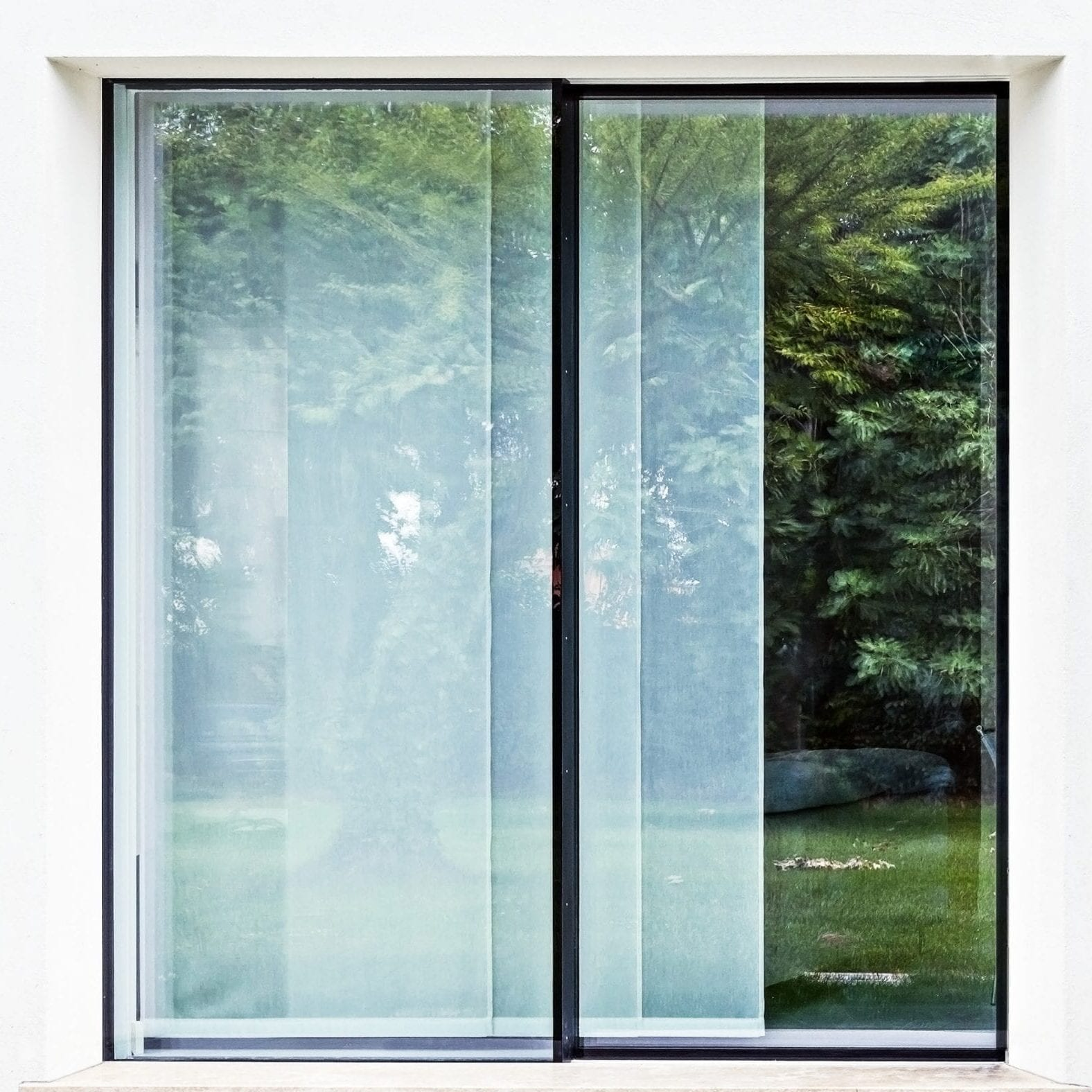 TOTAL GLASS MINIMAL FRAME SLIDING DOORS